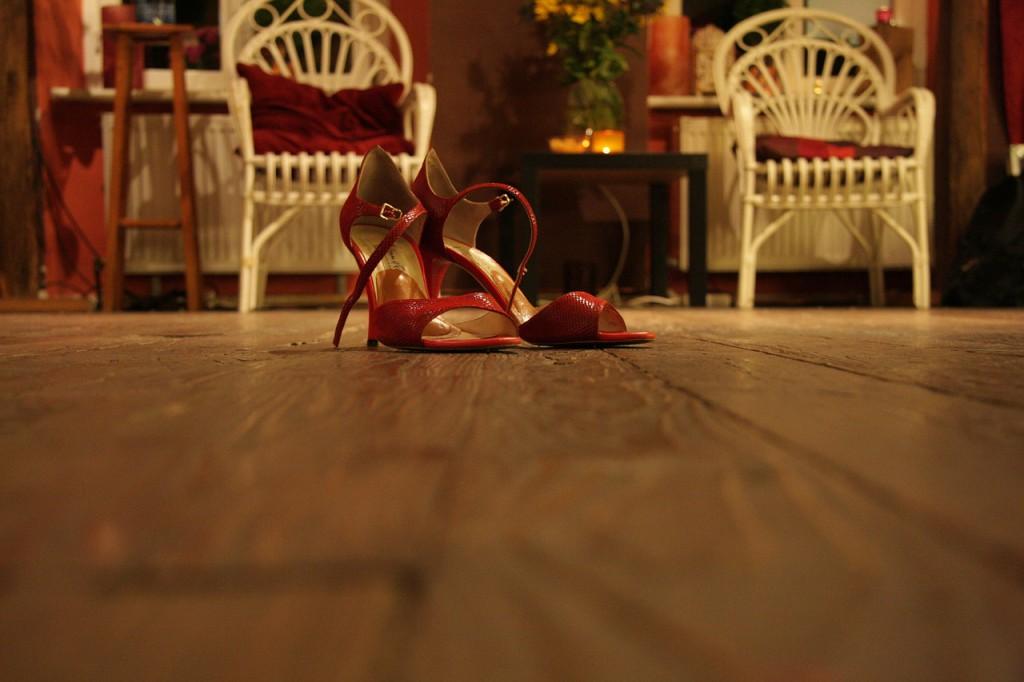 Červené boty na podpatku